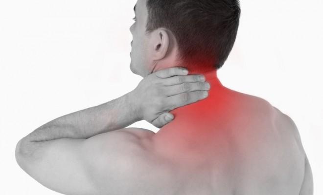 la Fibromialgia causa spesso dolori al collo